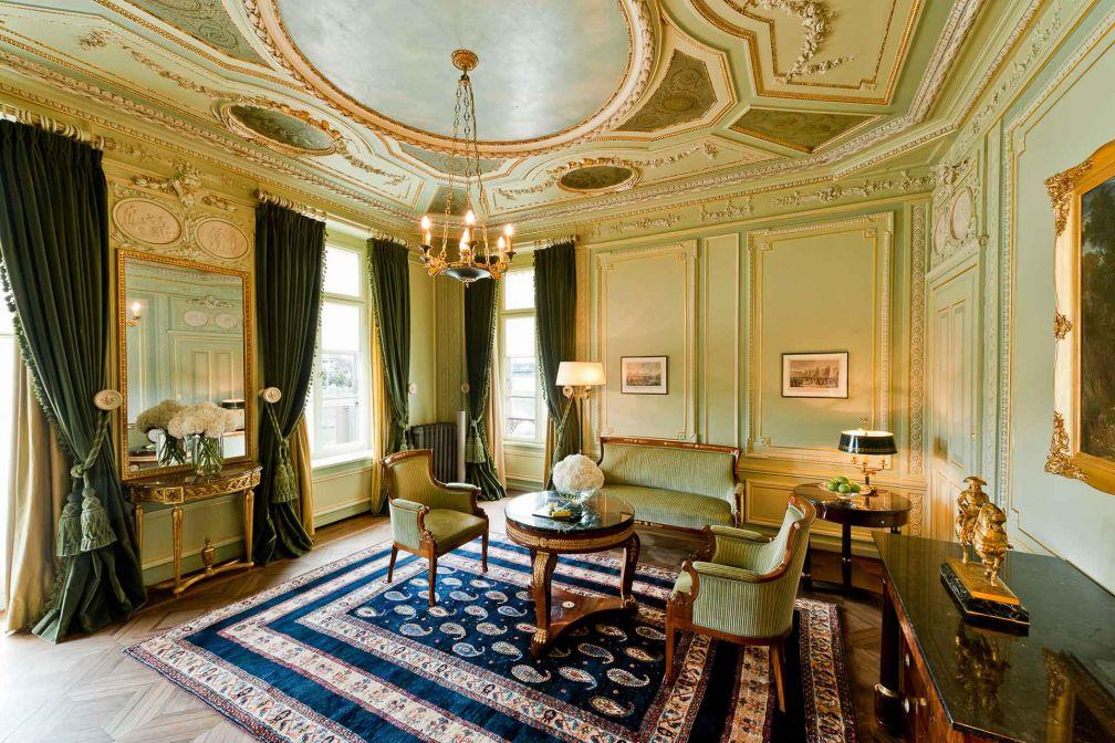 La Suite Napoléon rend hommage à Napoléon Bonaparte qui séjourna dans l'auberge