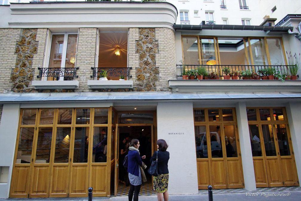 La façade du restaurant, rue de la Folie-Méricourt dans le 11ème arrondissement de Paris © Botanique Restaurant