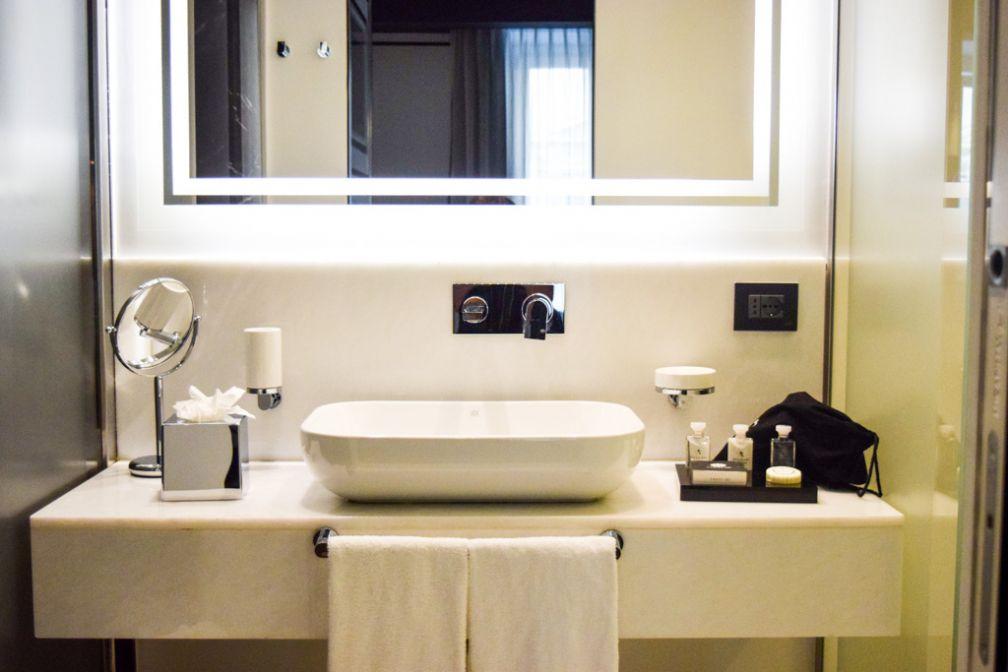 Salles de bain contemporaines et fonctionnelles © Yonder.fr