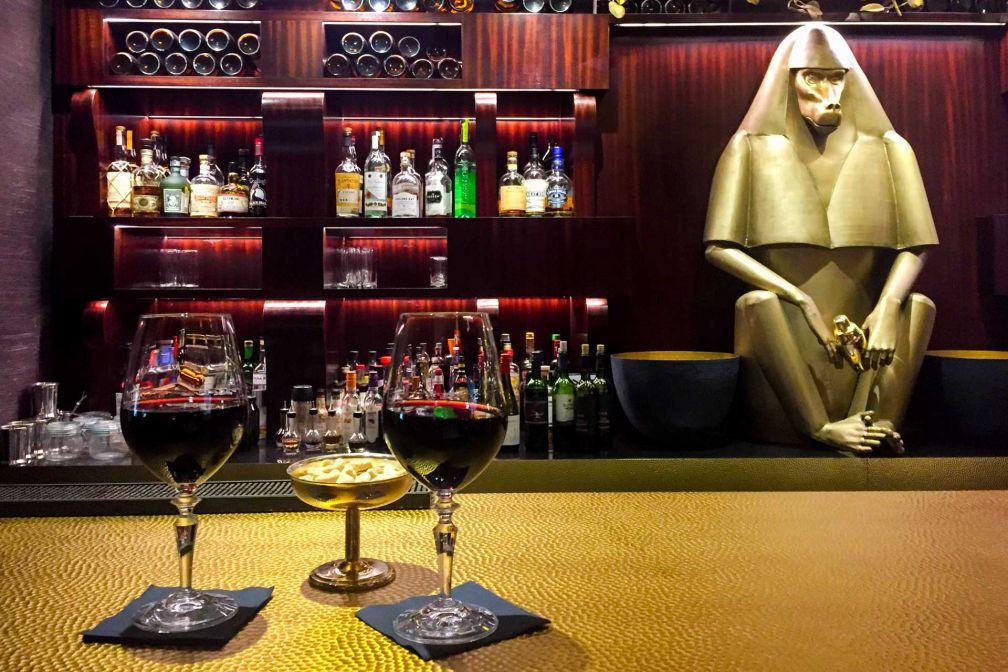 Le bar de l'hôtel, où siroter un bon verre de vin italien © Constance Lugger