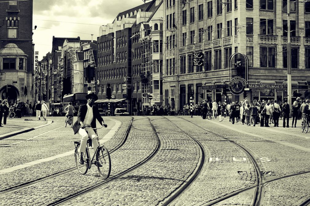 Scène de rue dans le centre d'Amsterdam | © Flickr CC - José Manuel Ríos Valiente - https://flic.kr/p/8vfVrg