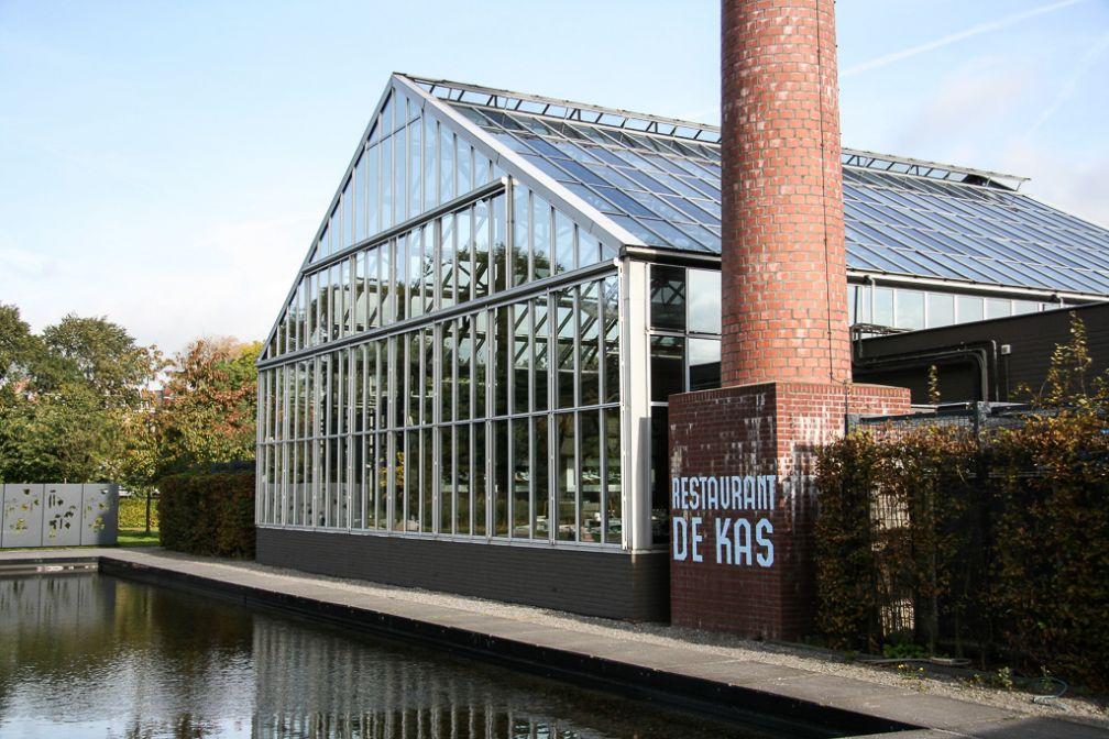 Le restaurant De Kas, installé dans une serre, et l'un des coups de cœur de Yonder à Amsterdam | © De Kas
