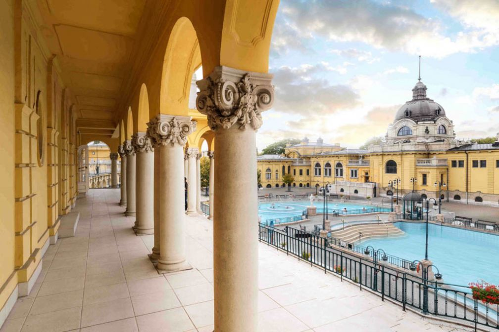 Les Bains Széchenyi dans le parc municipal Városliget | © Four Seasons Hotels and Resorts