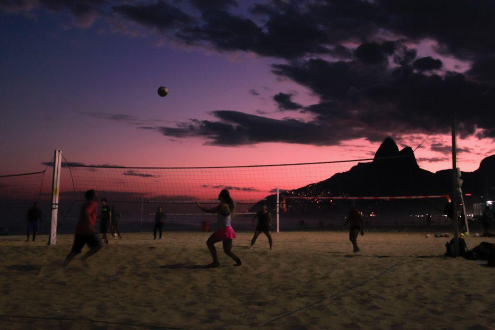 Partie de Fute Volley, Ipanema | © Cédric Aubert