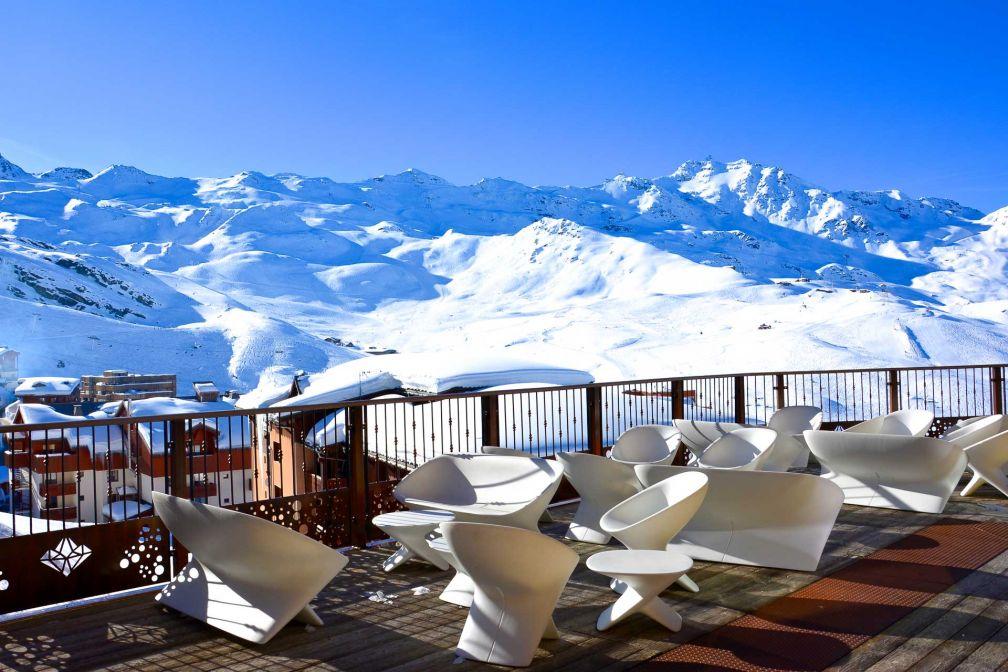 Terrasse avec vue sur les Alpes © Emmanuel Laveran