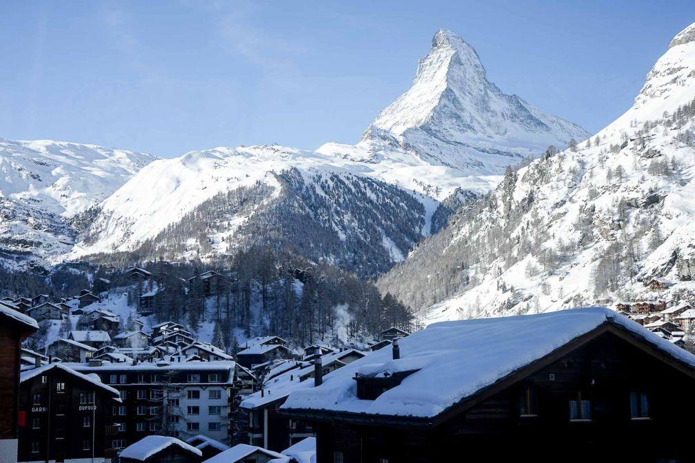 Vue sur le Mont Cervin depuis une Junior Suite du Schweizerhof Zermatt © YONDER.fr