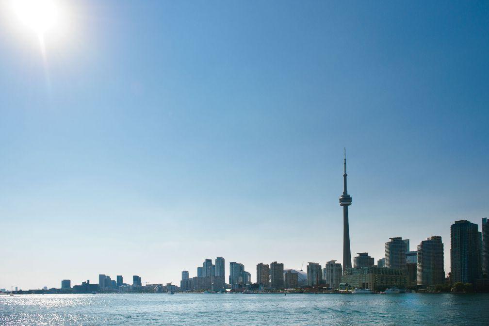 La skyline de Toronto au bord du lac Ontario © DR