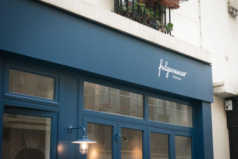 La façade extérieure du restaurant reflète l'esprit de simplicité du restaurant © Fulgurances
