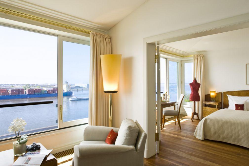 Les vues sur l'Elbe justifient à elle seule de séjourner au Louis C. Jacob © Hotel Louis C. Jacob