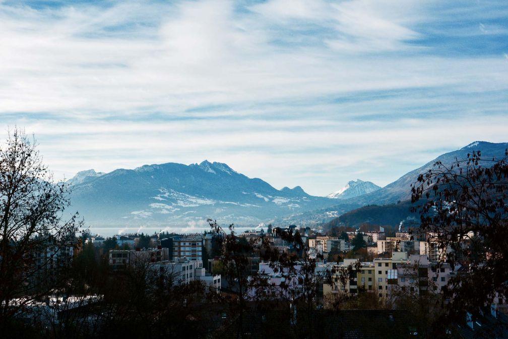 Vue d'Annecy et son lac depuis le restaurant © Emmanuel Laveran
