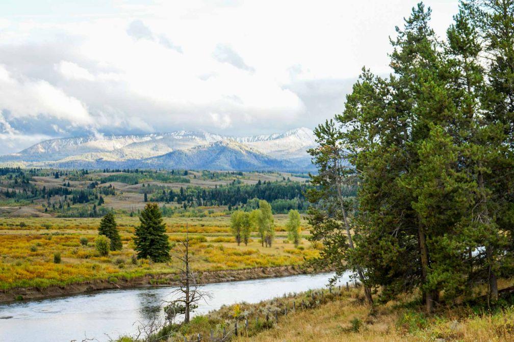 L'arrivée dans la Teton National Forest, après avoir dépassé la ville de Dubois, offre des paysages spectaculaires.