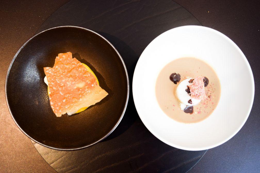 Deux des trois desserts que nous avons goûtés : gianduja, oeuf en neige, café cardamome, praline & glace chocolat blanc - wasabi, goyave, mangue, litchi © Yonder.fr