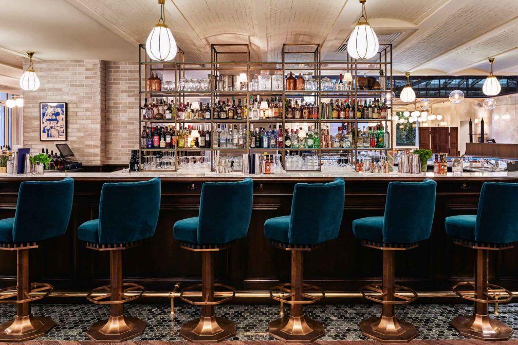 Le bar du restaurant Rivié, à l'allure très anglo-saxonne © Alan Jensen
