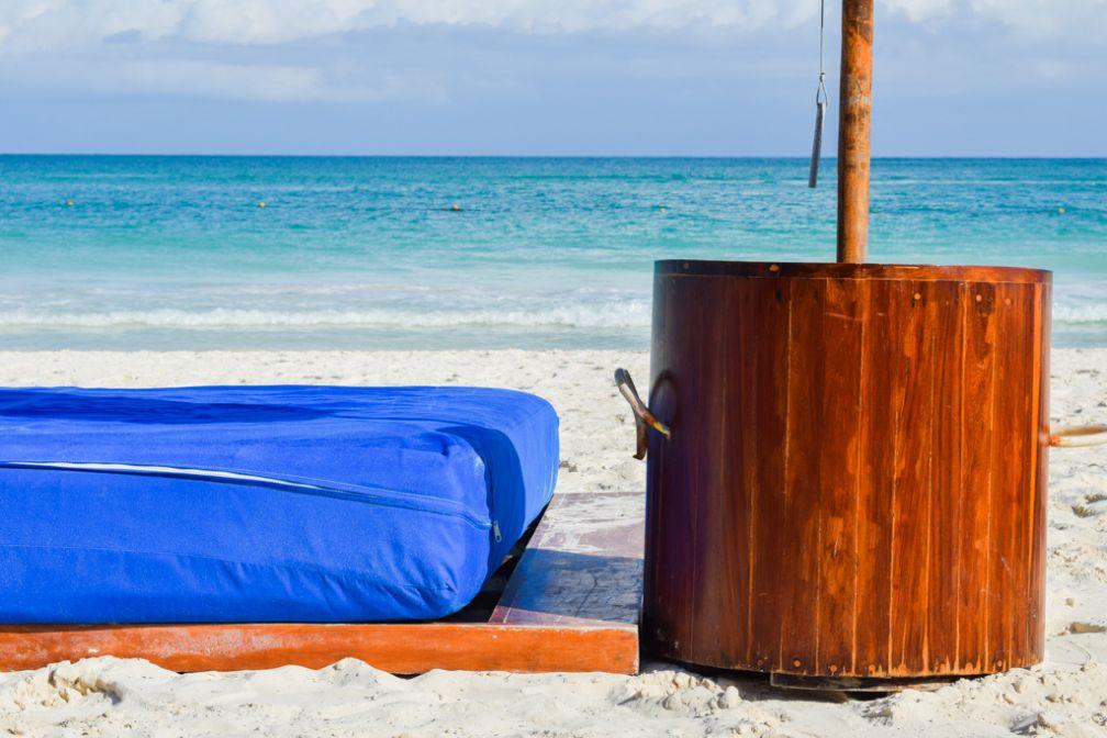 Un décor coloré sur la plage © Yonder.fr