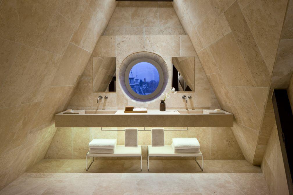 Les Rooftops Suites disposent également de salles de bain spectaculaires @ Conservatorium Hotel