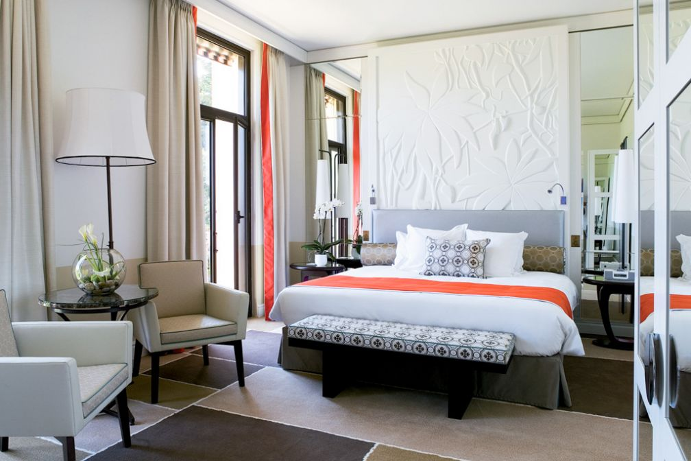 Chambre Deluxe vue mer au décor plus contemporain © Royal Riviera
