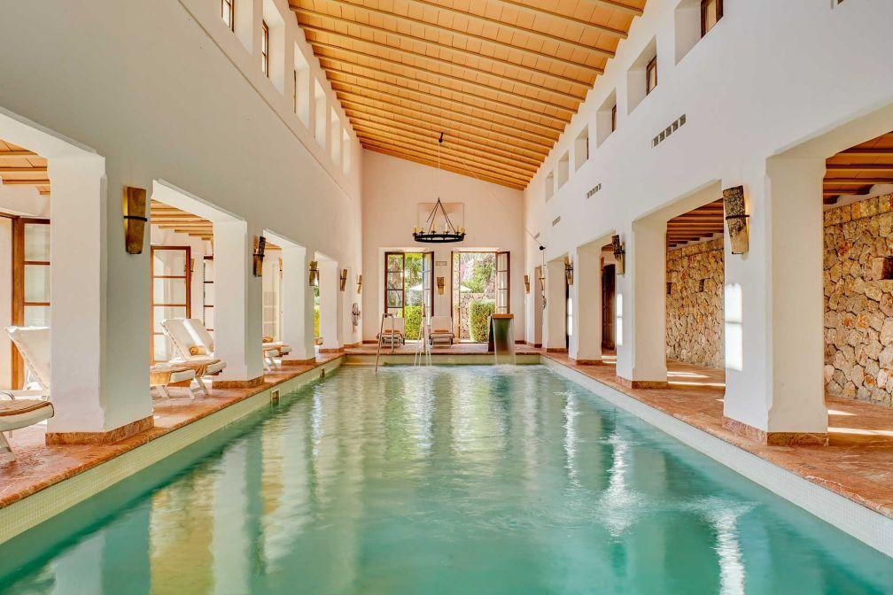 Le Spa offre également le luxe d'une grande piscine intérieure chauffée © Belmond
