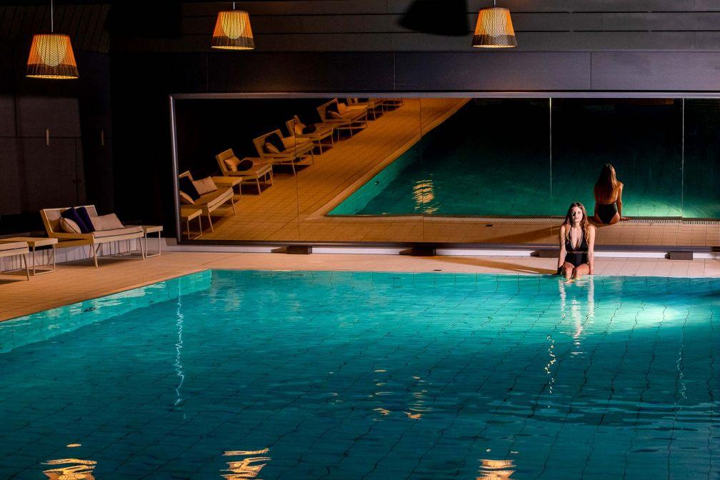 L'hôtel dispose d'un vaste espace bien-être, doté d'une piscine intérieure © Alpimages