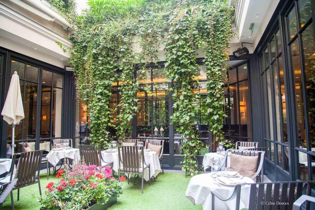 Le patio de l'hôtel, ouvert aux beaux jours © Le Burgundy