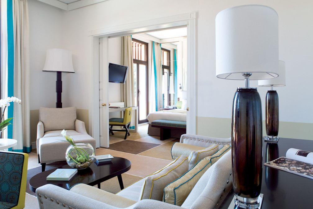Le Royal Riviera dispose d'une vaste suite de 60 mètres carrés avec terrasse privée © Royal Riviera