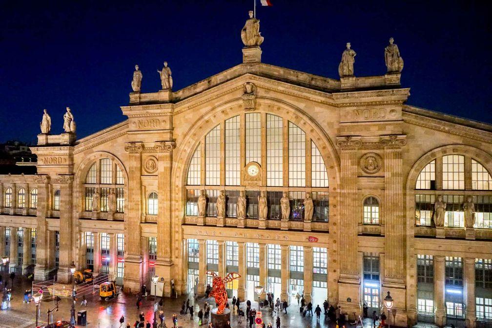 25hours Hotel Terminus Nord : vue sur la Gare du Nord depuis une chambre du 5ème étage © YONDER.fr