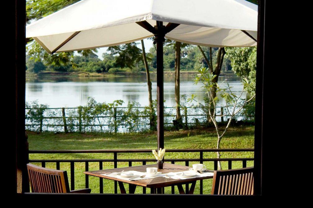 Petit-déjeuner avec vue dans la Villa House de l'hôtel, à deux pas d'Angkor © Aman
