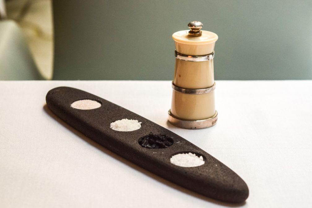 Quatre sels sont proposés à table au Restaurant Sylvestre © Yonder.fr