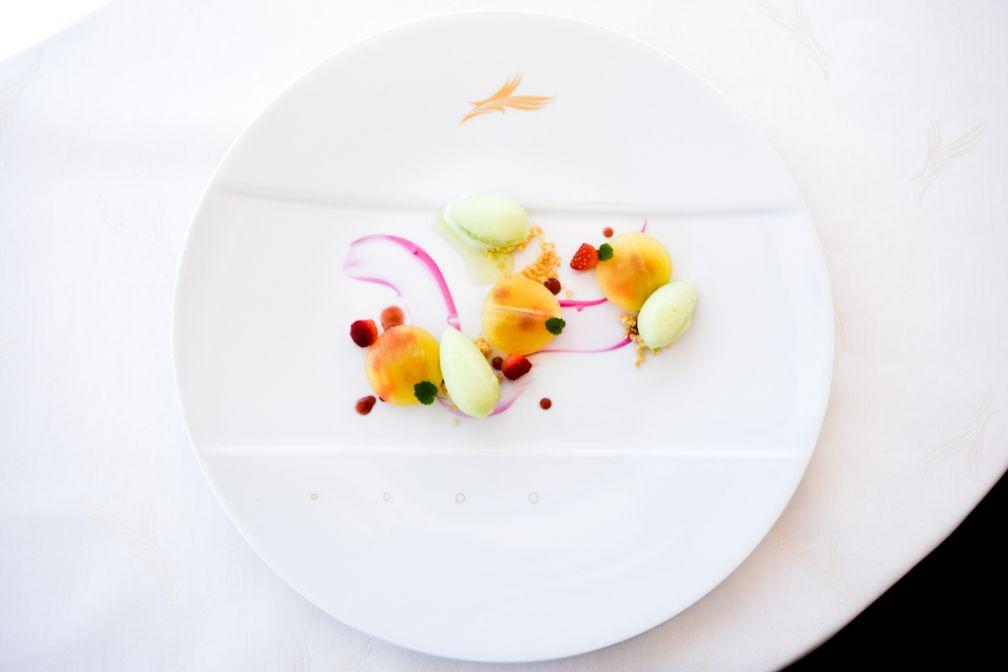 Ravioles de fraises, ananas, concombre (Christian Sinicropi à La Palme d'Or) © Yonder.fr