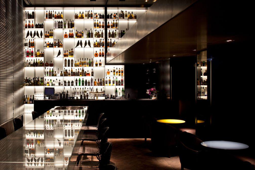 Le Tunes Bar, rendez-vous des noctambules @ Conservatorium Hotel