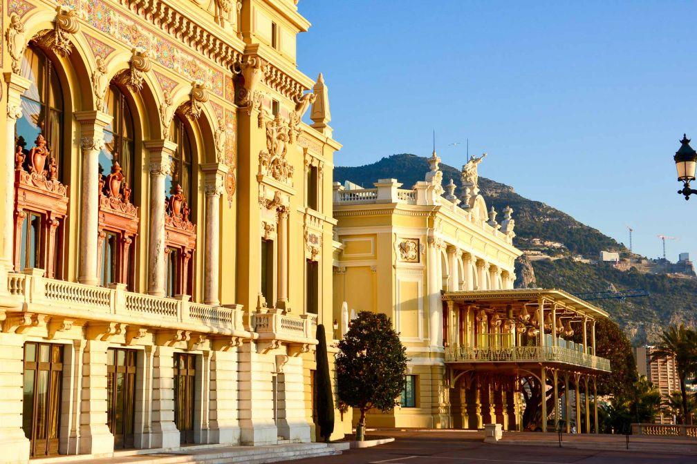 Coucher de soleil sur la Place du Casino de Monte-Carlo, face à l'Hôtel de Paris © Emmanuel Laveran