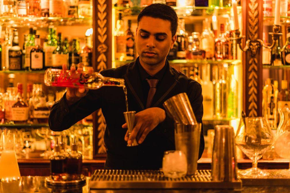 Le Bar de L'Hôtel, rue des Beaux-Arts (Paris 6ème) est plus que jamais l'un des meilleurs bars à cocktails de la capitale © Solli Kanani
