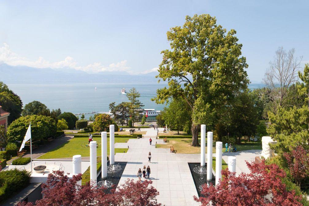 Œuvres d'art, parc et vue sur le lac Léman, le cadre du Musée Olympique est idyllique © CIO