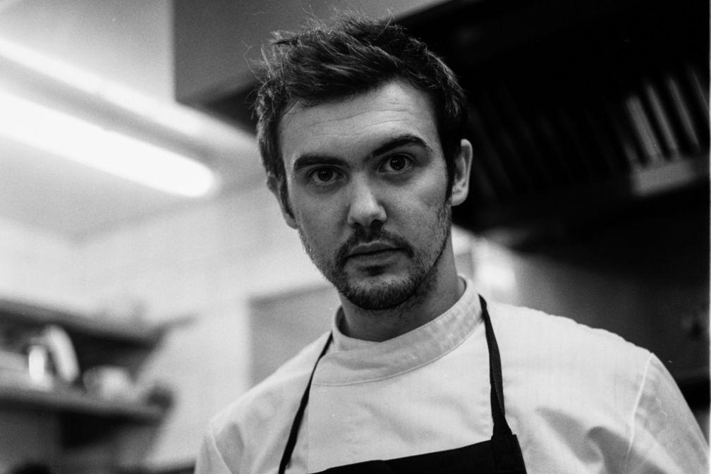 Bertrand Grébaut, ancien disciple d'Alain Passard, est le chef de Septime, l'un des restaurants les plus courus de Paris © Guillhem Rihet