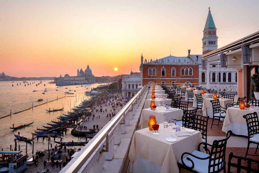 Le restaurant Terrazza de l'hôtel Danieli, où boire un spritz au coucher de soleil © Hotel Danieli