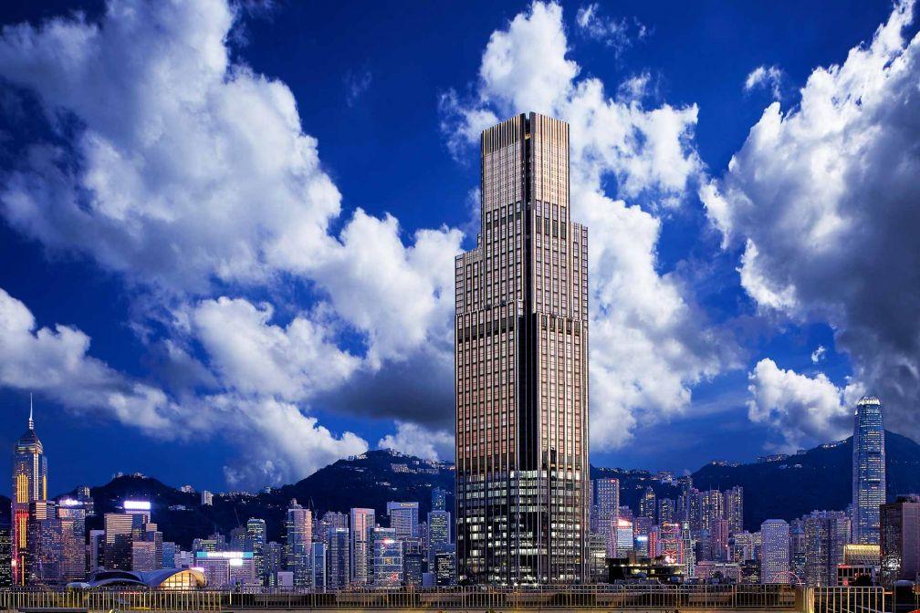 Le Rosewood Hong Kong, une silhouette imposante (65 étages) sur les quais de Tsim Sha Tsui © DR