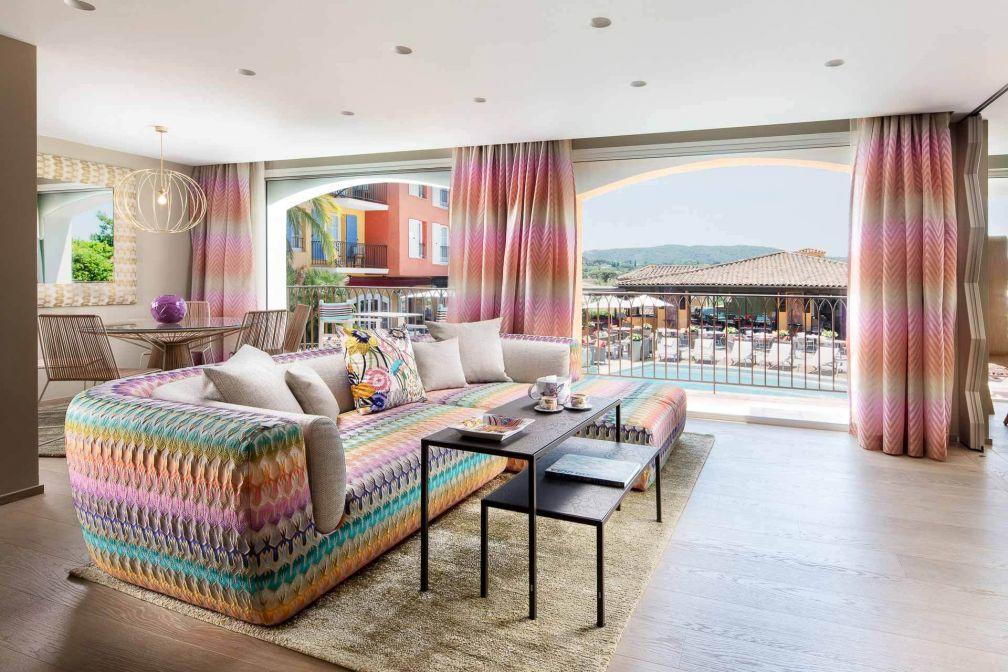 On retrouve dans la suite Missoni Home le style inimitable de la maison de mode italienne © Byblos Saint-Tropez