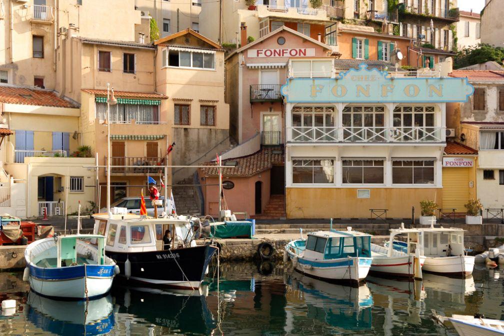 Le Vallon Des Auffes, l'incontournable petit port de Marseille, parfait pour manger une glace en fin d'après-midi ©OTCM