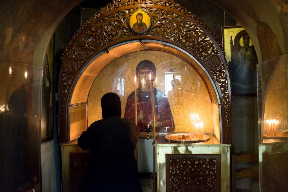 Dans la petite église d'Agia Paraskevi, au nord d'Aiolou.