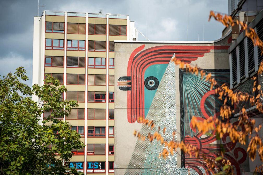 Une fresque de street art par l'artiste Tika. © Switzerland Tourism / Andre Meier
