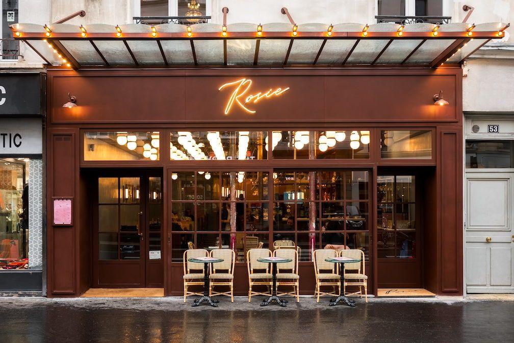 La devanture de la Brasserie Rosie, rue du Faubourg Saint-Antoine (Paris 11e) © DR.