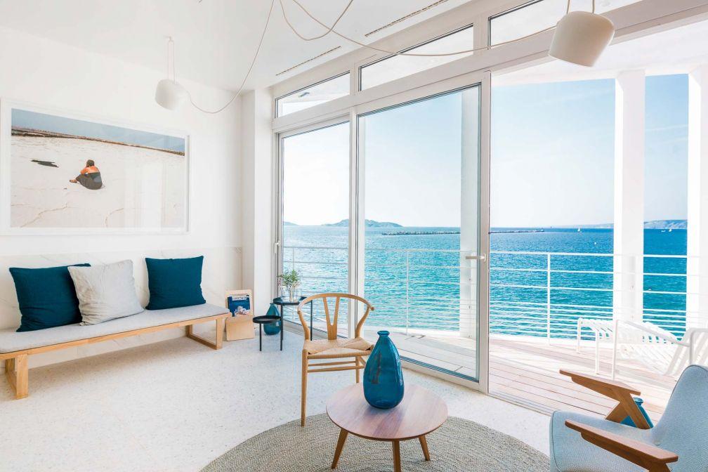 L'hôtel Les Bords de Mer et ses vues imprenables sur la Méditerranée © DR