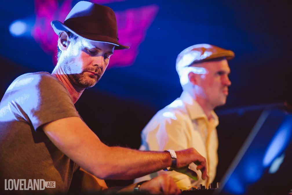 Le duo en live, pendant la soirée de leur label Diynamic, dans le cadre du Amsterdam Dance Event 2015 © Dennis Bouman