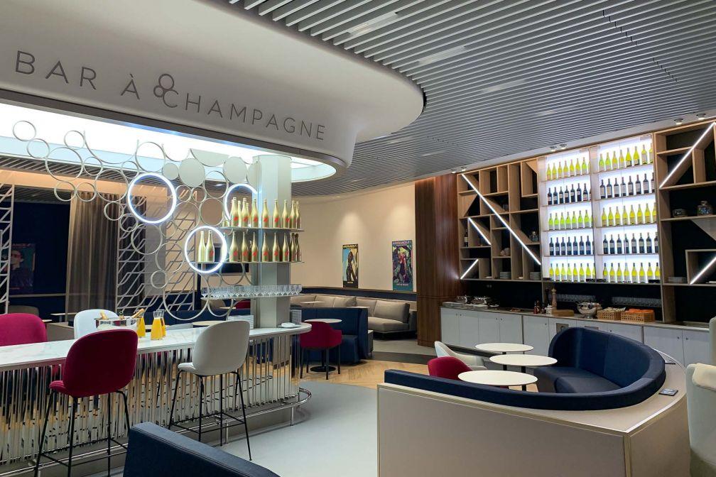Le nouveau salon Air France dans le terminal 3 de l'aéroport d'Orly. © Pierre Gunther / YONDER.fr