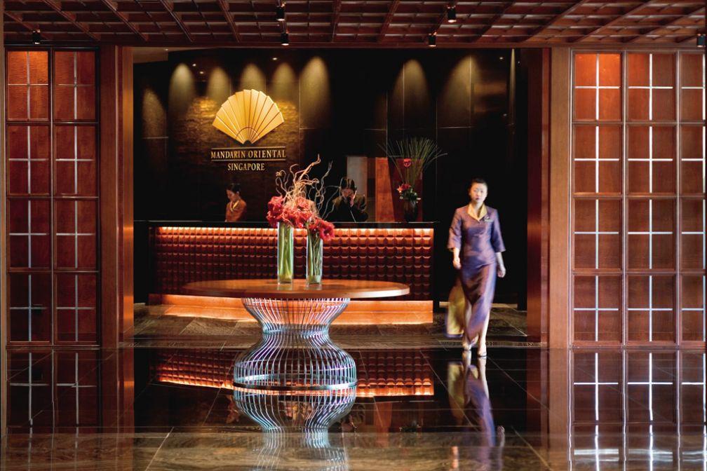 Elégance et luxe dans le lobby du Mandarin Oriental Singapore   © Mandarin Oriental Hotels Group