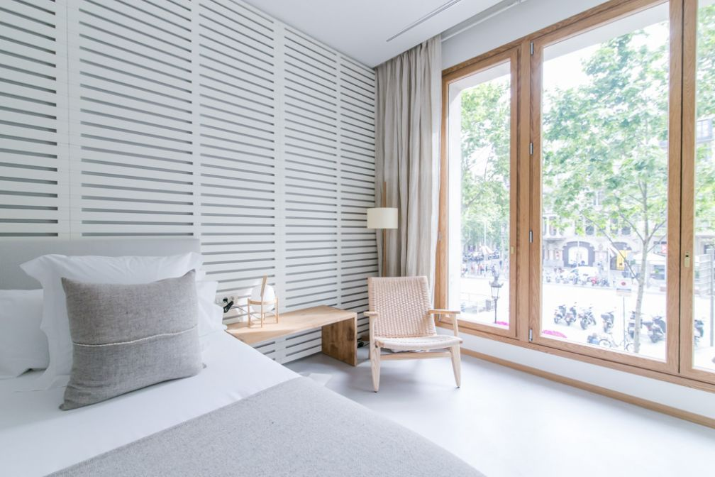 Design contemporain, sobre et clair, la marque de fabrique de Margot House | © Margot House Barcelona