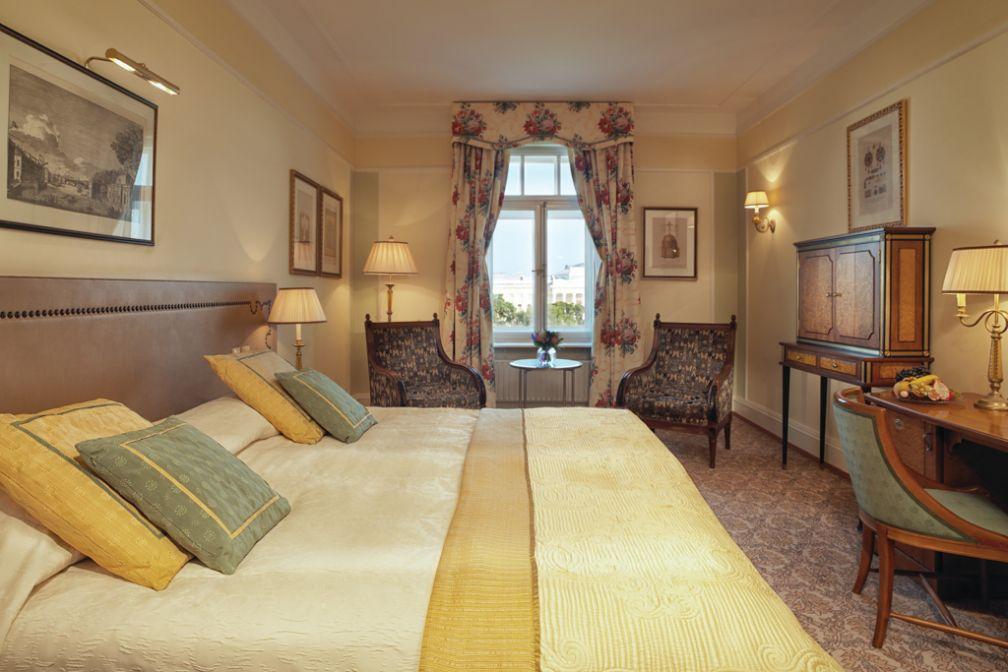 Les Deluxe Rooms offrent évidemment moins d'espace et de faste mais sont tout aussi confortables | © Belmond