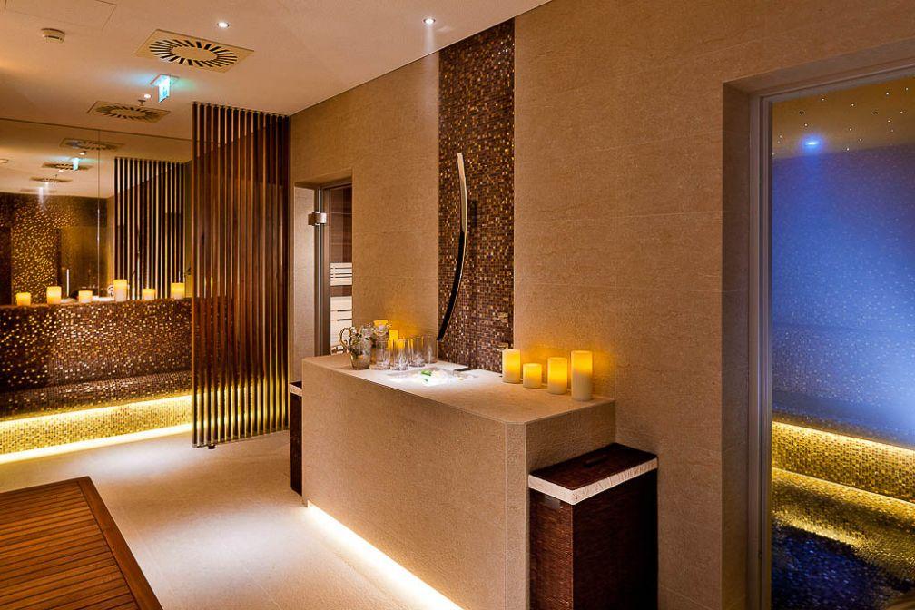 Le Spa, inauguré en 2013, tranche avec son style contemporain et dépouillé réussi | © Grand Hotel Wien