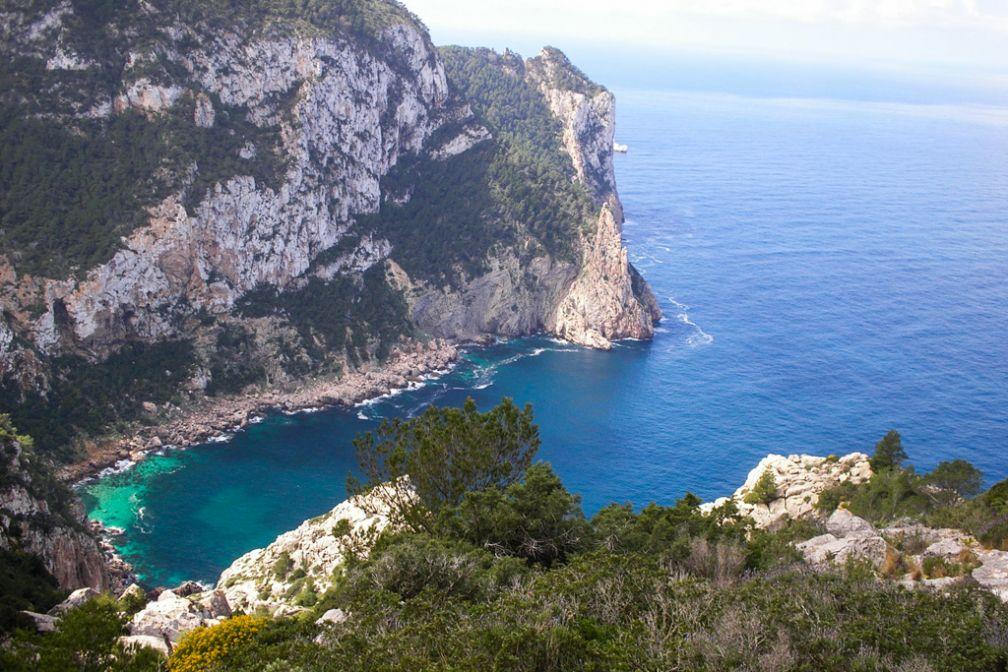 La vue sur la mer depuis les falaises à proximité de l'hôtel (20 minutes de marche) | © Can Pujolet