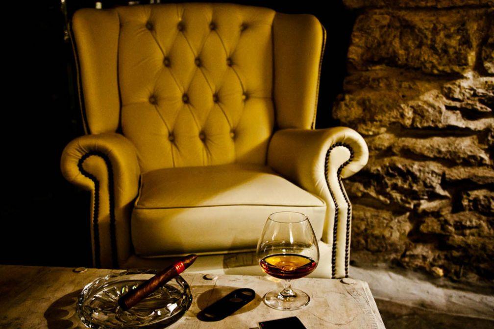 Le très chic Cigar Lounge, dans les caves de l'hôtel   © Hotel Schlössle