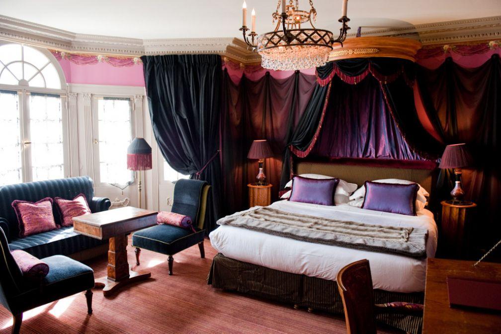 Chambre de la catégorie Chic, décorée l'honneur des résidents célèbres de l'établissement | © Amy Murrell